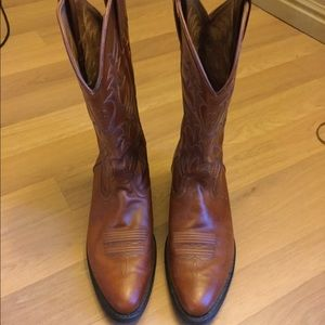 Ariat men's boots, size 10D, barely worn